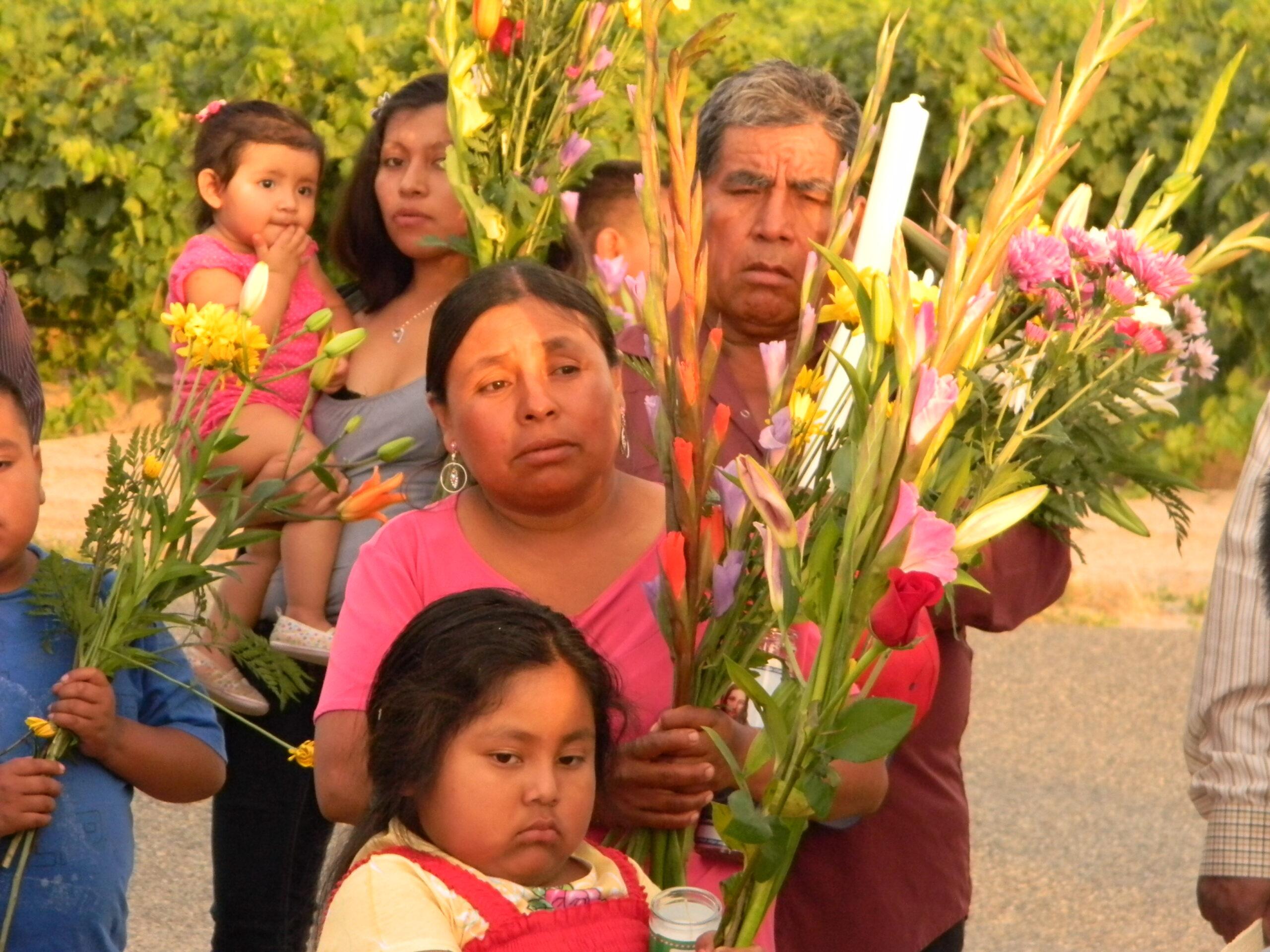 """Mission of Padre Migrante: """"Walk with My People in Crisis"""" - """"Camina con mi pueblo en crisis"""""""